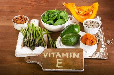 肌の老化予防にビタミンE