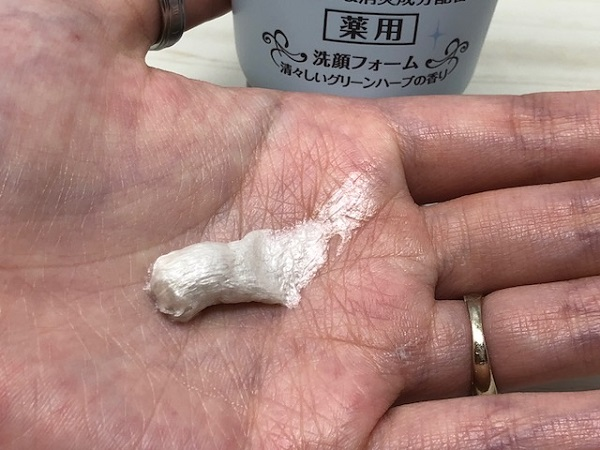 ロゼット 洗顔パスタ アクネクリアの使用感は?