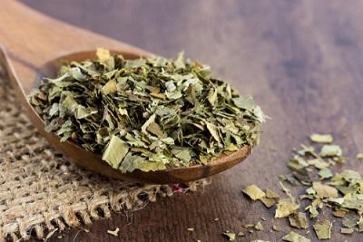 緑茶カテキンで血糖値の急激な上昇を抑える!