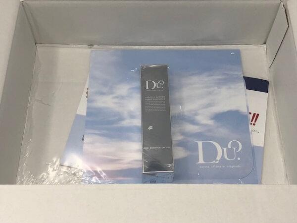 D.U.O ザ エッセンスセラムの箱を開けてみると・・・