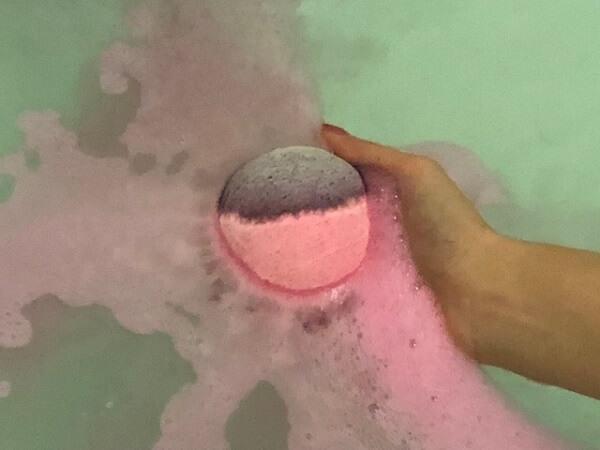LUSH(ラッシュ)セクシー・ダイナマイト入浴前と入浴時の使用感